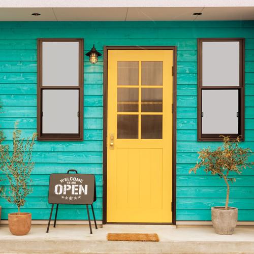 MANOA黄色いドア